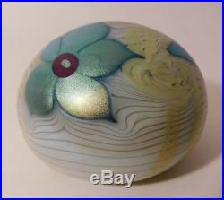OUTSTANDING & Vintage SIGNED ORIENT & FLUME FLORAL Motif Art Glass Paperweight