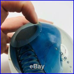 Vintage 1987 Signed Magnum Eickholt Blue Arch Controlled Bubbles Paperweight